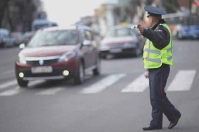 Какие документы нужно показывать инспектору гибдд при остановке юрлица